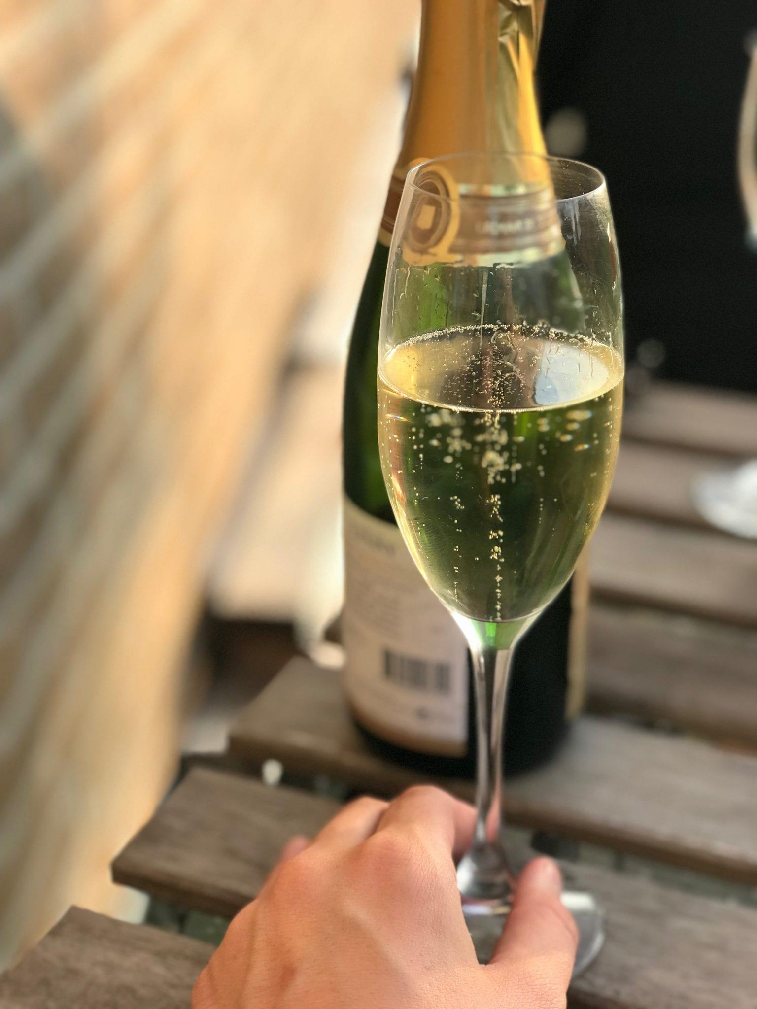 poke bowl og champagne