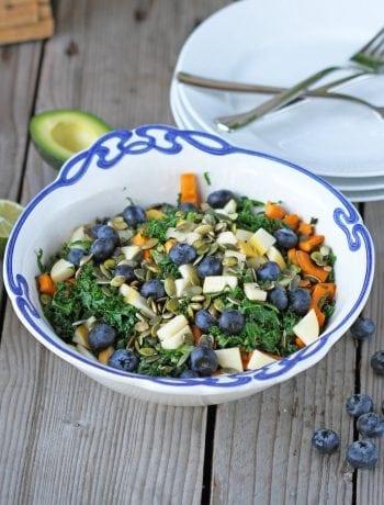 lun kål salat med blåbær