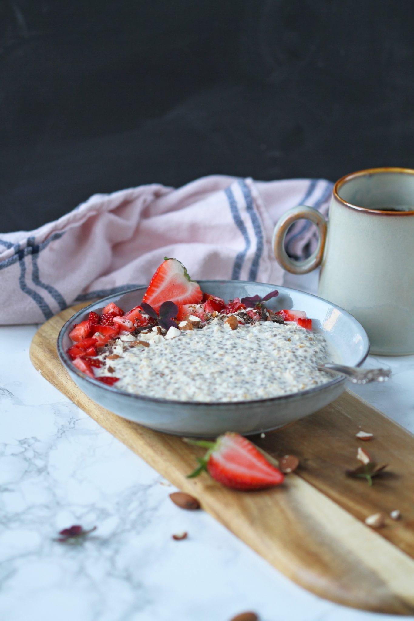 Overnightoats med lakridsog jordbær Overnight oats med lakrids og jordbær