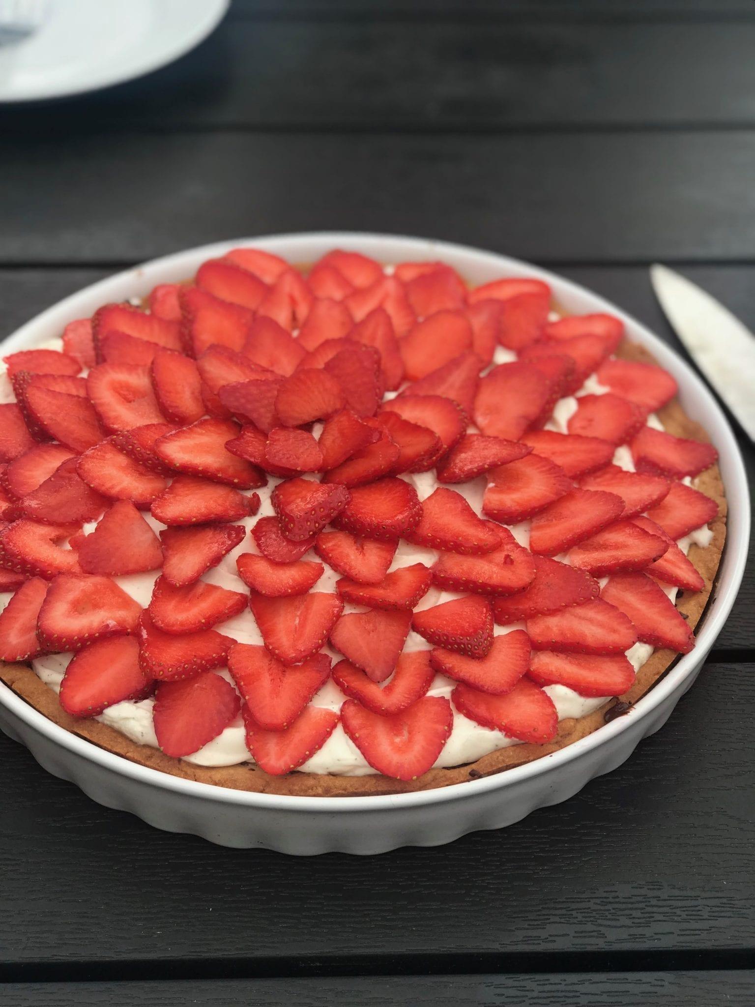 Jordbærtærte med mascarpone creme og mørk chokolade
