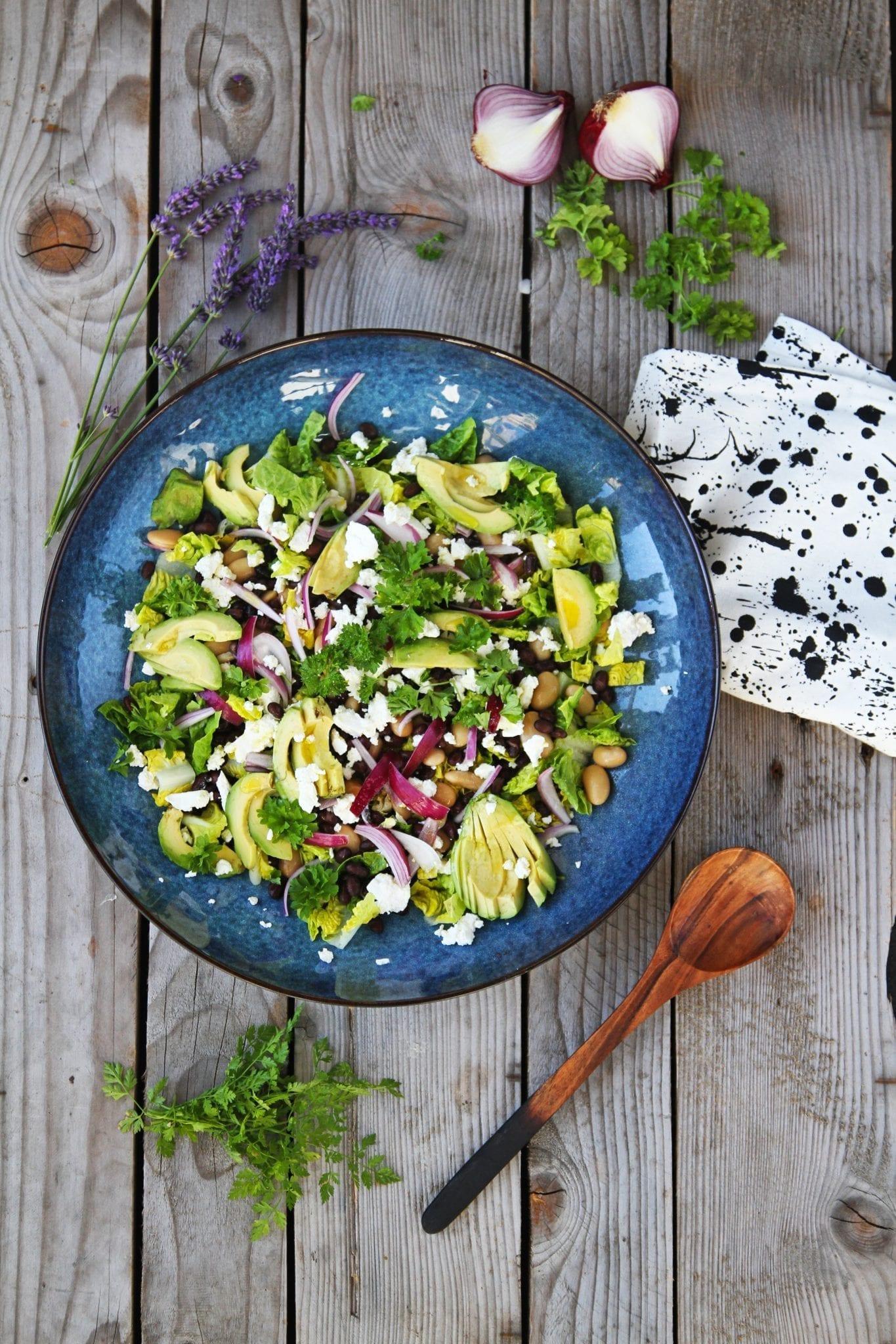 Bønne salat med avokado