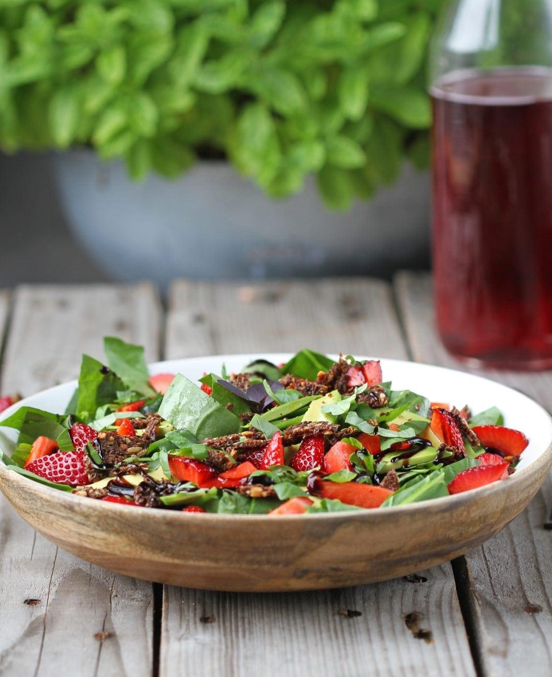jordbær og spinat salat - sommer salat opskrift