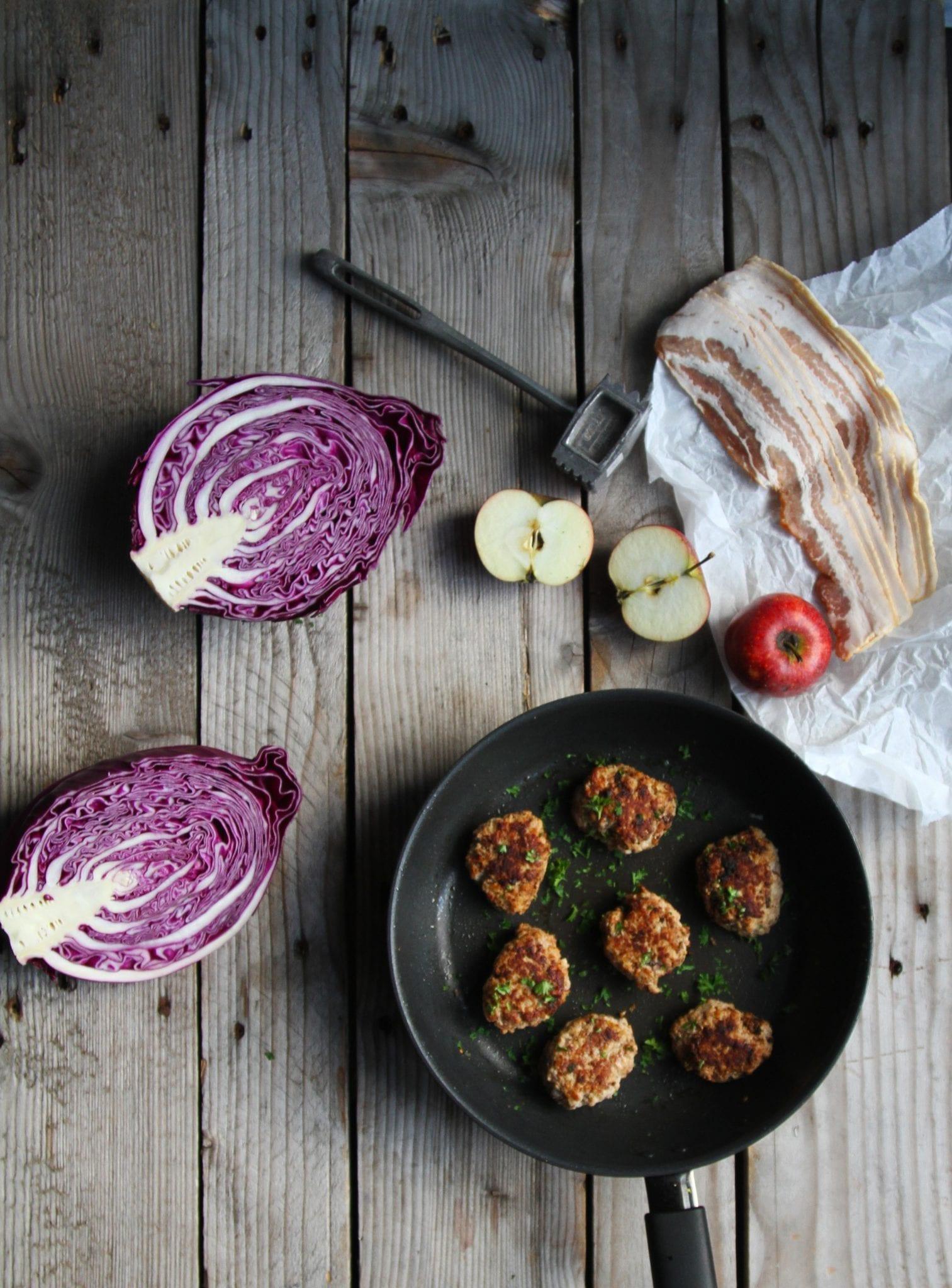 frikadellebacon Frikadeller med æble og bacon