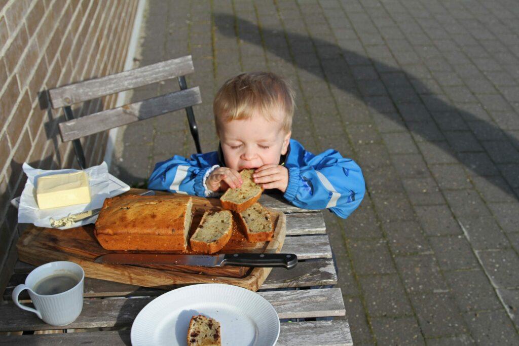 nor spiser bananbrød