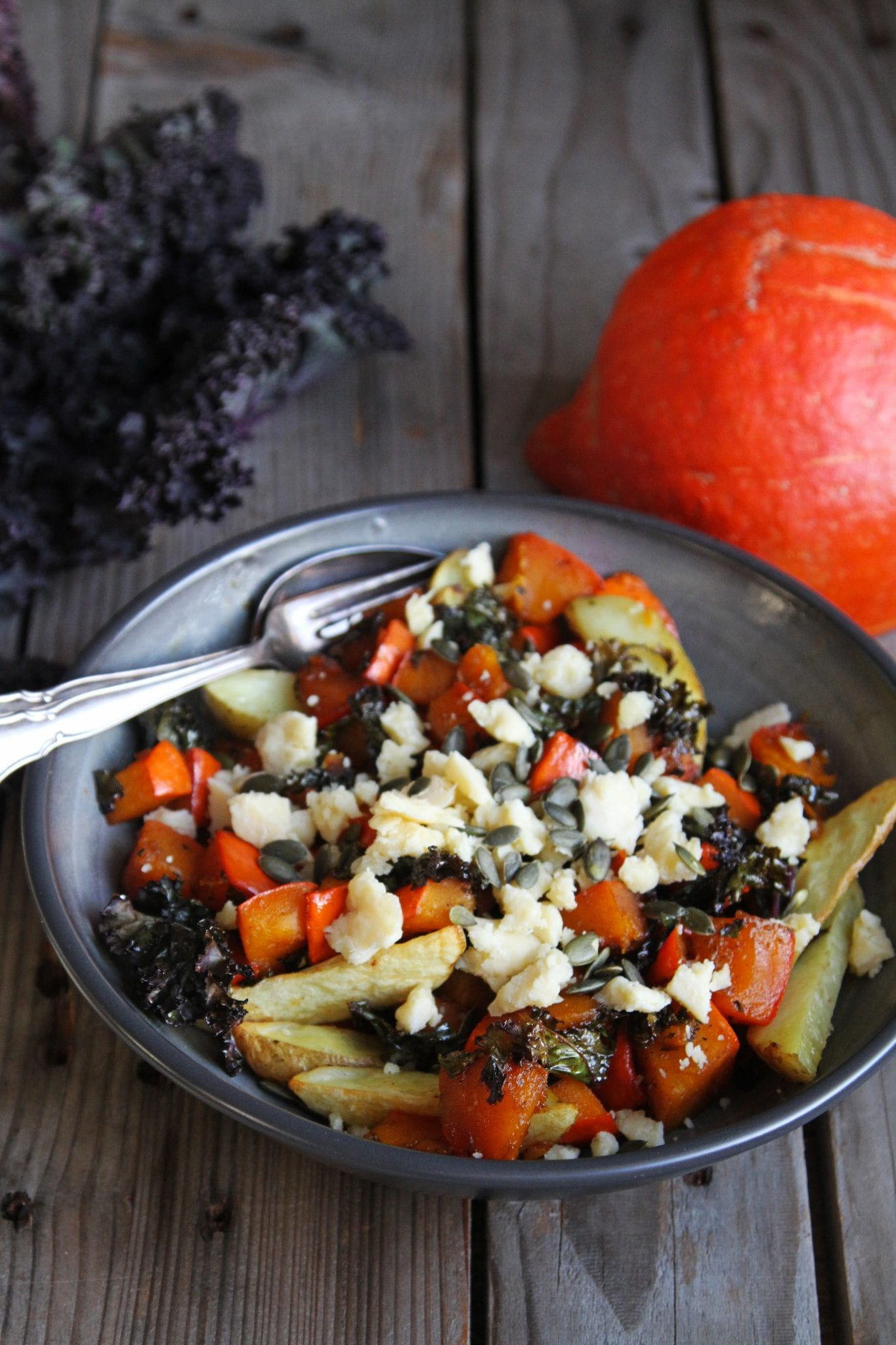 IMG 5385 Varm og spicy vintersalat med grønkål, kartofler og græskar