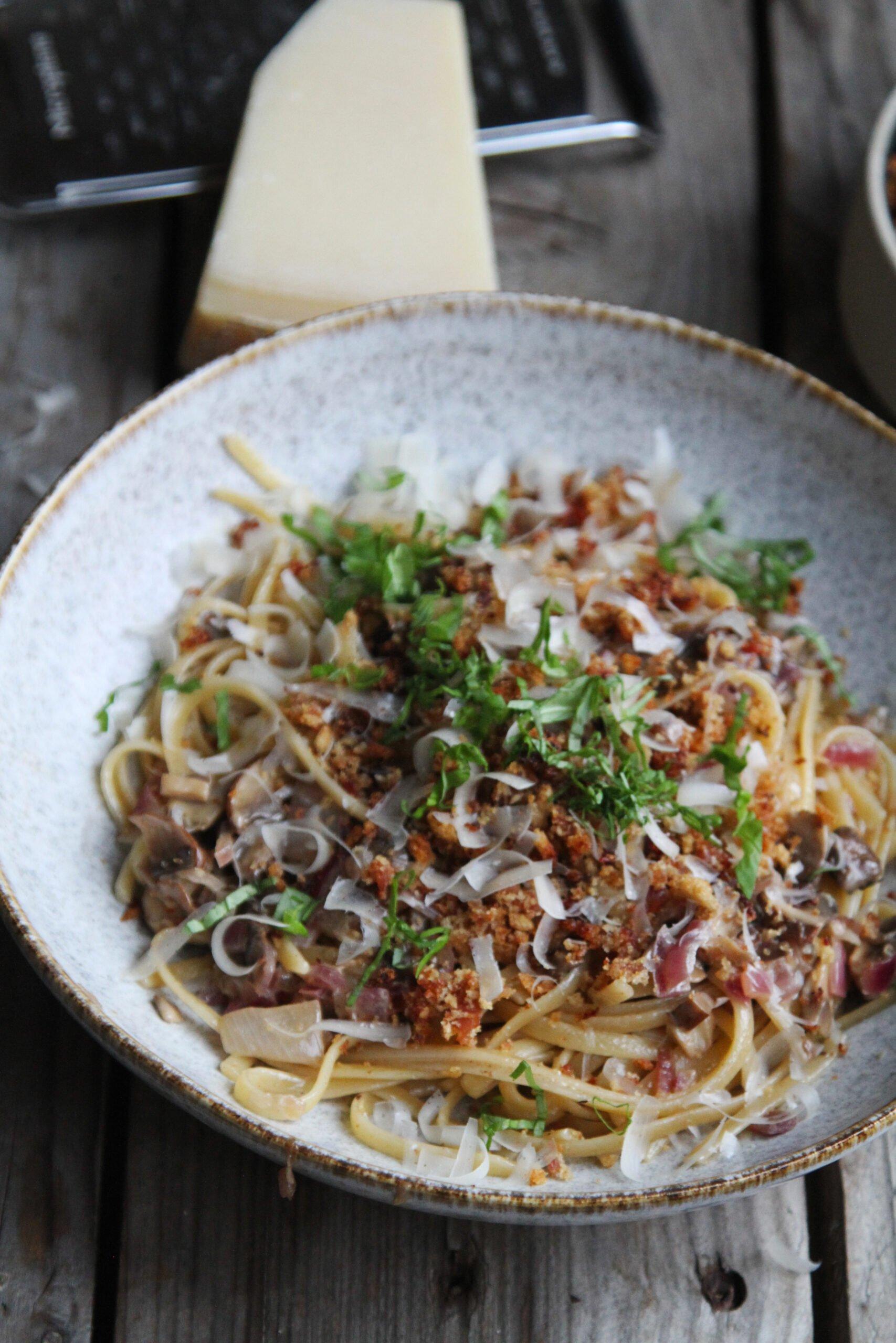serano pasta scaled Pasta med portobello og serano brødcrumble